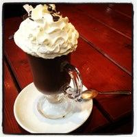12/26/2012 tarihinde Melike N.ziyaretçi tarafından Son Osmanlı Nargile Cafe'de çekilen fotoğraf