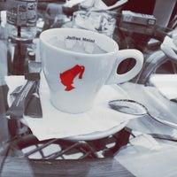 Photo taken at La Coffee by Δ Λ Π Τ Σ ࿐. on 9/2/2013