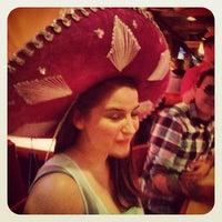 Foto tomada en La Parrilla Mexican Restaurant por Chris L. el 5/2/2013