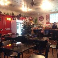 Foto scattata a Kim's Tea House da Eric N. il 1/19/2013