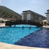 รูปภาพถ่ายที่ Ulu Resort Aquapark โดย zeynep เมื่อ 7/9/2018