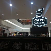 Foto tirada no(a) Café Cultura por Roger F. em 7/24/2017