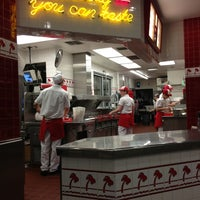 Photo taken at In-N-Out Burger by Fa T. on 1/18/2013