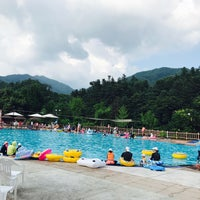 Photo taken at Kensington Resort Cheongpyeong by Chansoo K. on 8/5/2017