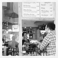 Das Foto wurde bei Der Hot Dog Laden von Ece Y. am 7/22/2013 aufgenommen
