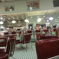 Photo taken at Johnny Rockets by Muath A. on 1/16/2013