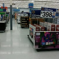 Photo taken at Walmart Supercenter by Dray M. on 1/24/2017