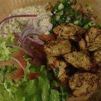 Das Foto wurde bei Omar's Mediterranean Cuisine & Bakery von Nina Z. am 1/5/2013 aufgenommen