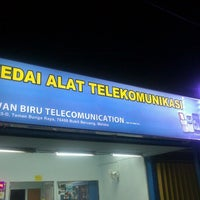 Photo taken at awan Biru Telecomunicator by Shahril A. on 1/1/2013