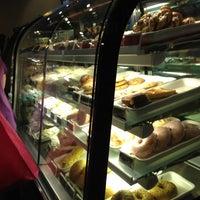 Das Foto wurde bei Starbucks Coffee von RM•SANIEL am 12/25/2012 aufgenommen