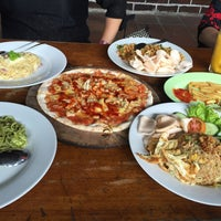 Photo taken at Warung PePe Wood Fired Pizza & Pasta by Olivia A. on 8/27/2016