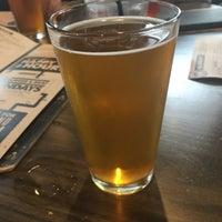 Das Foto wurde bei World of Beer von Tyler T. am 10/13/2017 aufgenommen