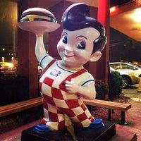 Photo taken at Bob's Big Boy by Arash M. on 12/7/2012