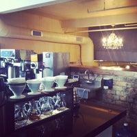5/6/2013에 Kate H.님이 Lantern Coffee Bar and Lounge에서 찍은 사진