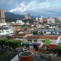 Foto tomada en Universidad Cooperativa de Colombia por Adrian T. el 8/24/2013