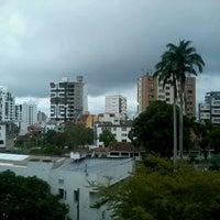 Foto tomada en Universidad Cooperativa de Colombia por Adrian T. el 5/20/2013