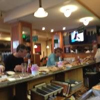 Das Foto wurde bei Astro Restaurant von Tom C. am 1/10/2013 aufgenommen