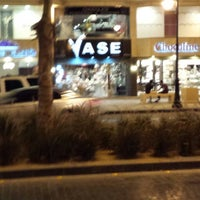 Photo taken at Vase by Ahmad A. on 10/14/2013