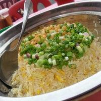 Photo taken at Restoran Hau Kee Seafood (口记海鲜楼) by Tom'mi L. on 1/10/2013