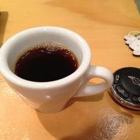Photo taken at 커피아일랜드 by Kim M. on 12/24/2012