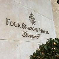 Photo prise au Hôtel Four Seasons George V par Mihail G. le1/10/2013