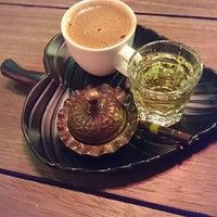 Photo taken at Retrosfer Cafe & Restaurant by Osman Ş. on 11/26/2017