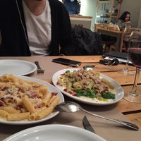 Photo prise au Pizzicotto par Georgia S. le12/10/2015