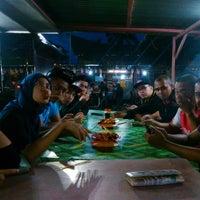 Photo taken at Pasar Malam Serian by Ruzilah Y. on 6/14/2015