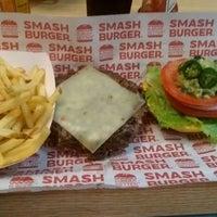 Photo taken at Smashburger by Arturo O. on 9/9/2017