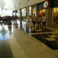 Foto tirada no(a) Montes Claros Shopping por Larissa A. em 3/10/2013