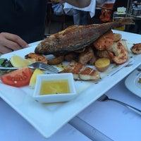 Das Foto wurde bei Nautilus Fischrestaurant von Ellie am 7/16/2014 aufgenommen