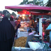 Photo taken at Pasar Malam by !!!NiZaM® on 3/4/2013
