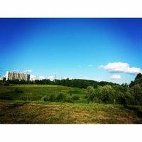 Foto tirada no(a) Ландшафтный парк «Митино» por Kristina S. em 6/19/2013
