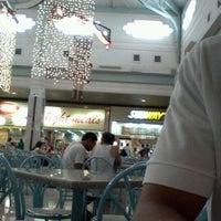 Foto tirada no(a) Praça de Alimentação por   Adriano N. em 1/2/2013