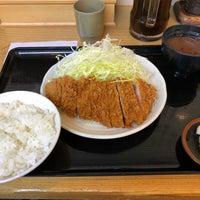 Photo taken at とんかつ まるや 新橋駅前店 by taka on 3/12/2018