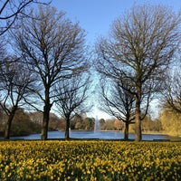 Photo taken at Zuiderpark by flubberdewups on 4/18/2013