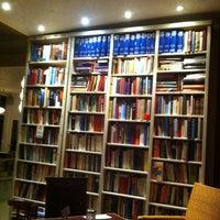 Photo taken at Goldmund Literaturcafe by vinodorado on 2/7/2013
