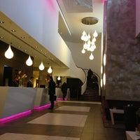 Das Foto wurde bei Sheraton Munich Arabellapark Hotel von Tolga T. am 1/15/2013 aufgenommen