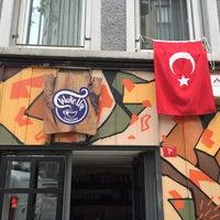 รูปภาพถ่ายที่ Wake Up Çukurcuma โดย Ahmet Ş. เมื่อ 4/23/2016