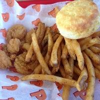 Photo taken at Popeyes Louisiana Kitchen by Tanya B. on 5/20/2013