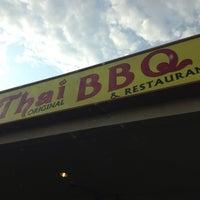 รูปภาพถ่ายที่ Thai Original BBQ & Restaurant โดย Flor M. เมื่อ 7/2/2013