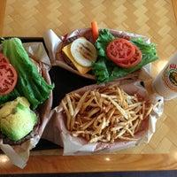 Foto tomada en Kua'āina Sandwich por MIWA el 1/3/2013
