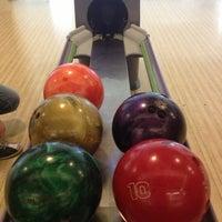 1/5/2013 tarihinde 🔘Emre E.ziyaretçi tarafından RollingBall Bowling'de çekilen fotoğraf