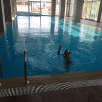 Photo taken at Hayat Merit Life Swimming Pool by Ergin G. on 8/20/2016