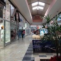 Foto tirada no(a) Franca Shopping por Adriano L. em 12/27/2012