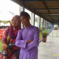 Photo taken at Kolej vokasiona Kuala Kangsarl by speedroz i. on 2/17/2013