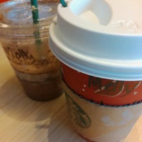 Photo taken at Starbucks by Melly D. on 12/21/2013