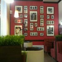 Снимок сделан в Traveler's Coffee пользователем Денис В. 12/30/2012
