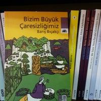 Photo taken at Kelepir kitapevi by Ali Ü. on 3/7/2014