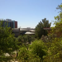 Photo taken at Daniel E. Noble Science and Engineering Library by Rohit R. on 4/13/2013